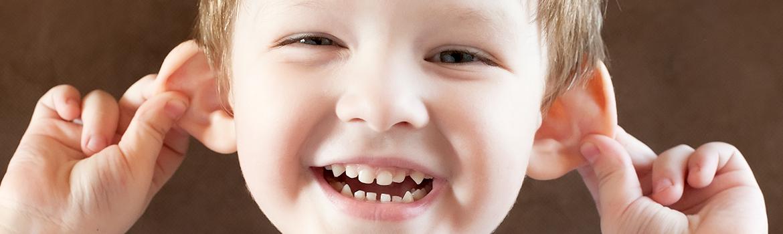 La operación de orejas aladas en niños y adolescentes