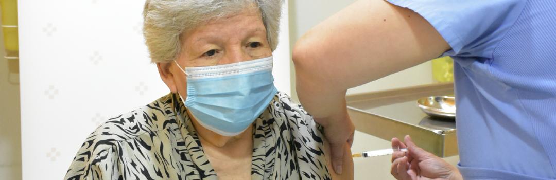 Prestadores de Empresas Banmédica participan en proceso de vacunación
